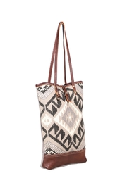 Myra Bags Pure Tote Bag - Side cropped