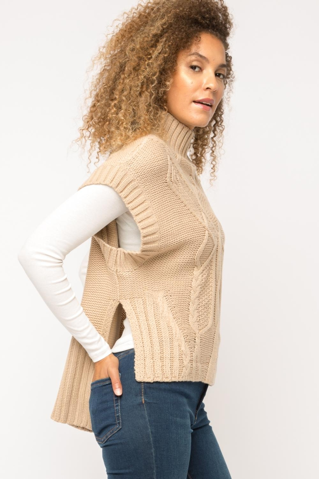 Mystree Cable Knit Sweater-Vest - Side Cropped Image