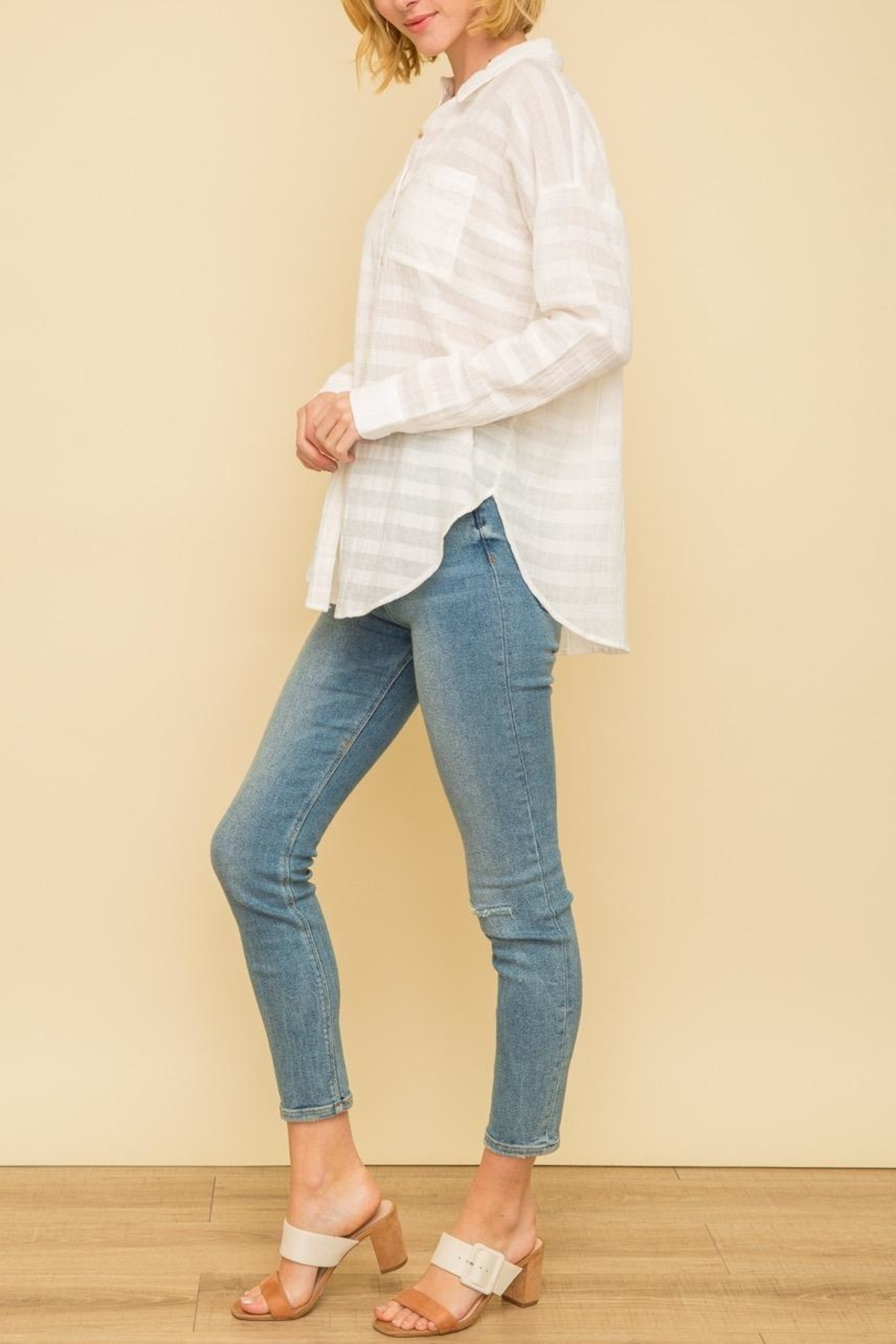 Mystree Crinkle Button Down - Side Cropped Image