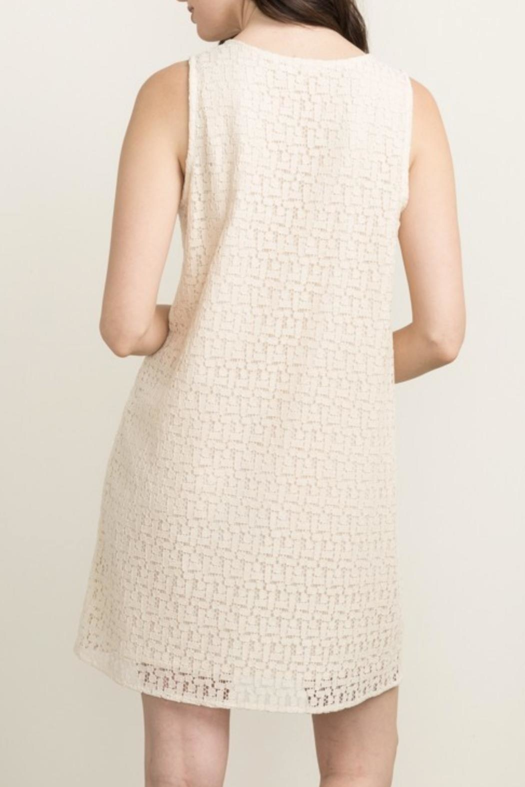 Mystree Embroidered Shift Dress - Side Cropped Image