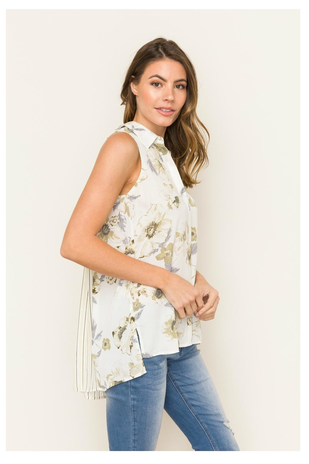 Mystree Pleated Back Shirt - Side Cropped Image