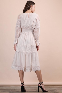 n/a Creamy Dreamy Lace Midi - Alternate List Image