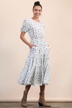 n/a White Dainty Floral Layered Pocket Midi - Product List Image