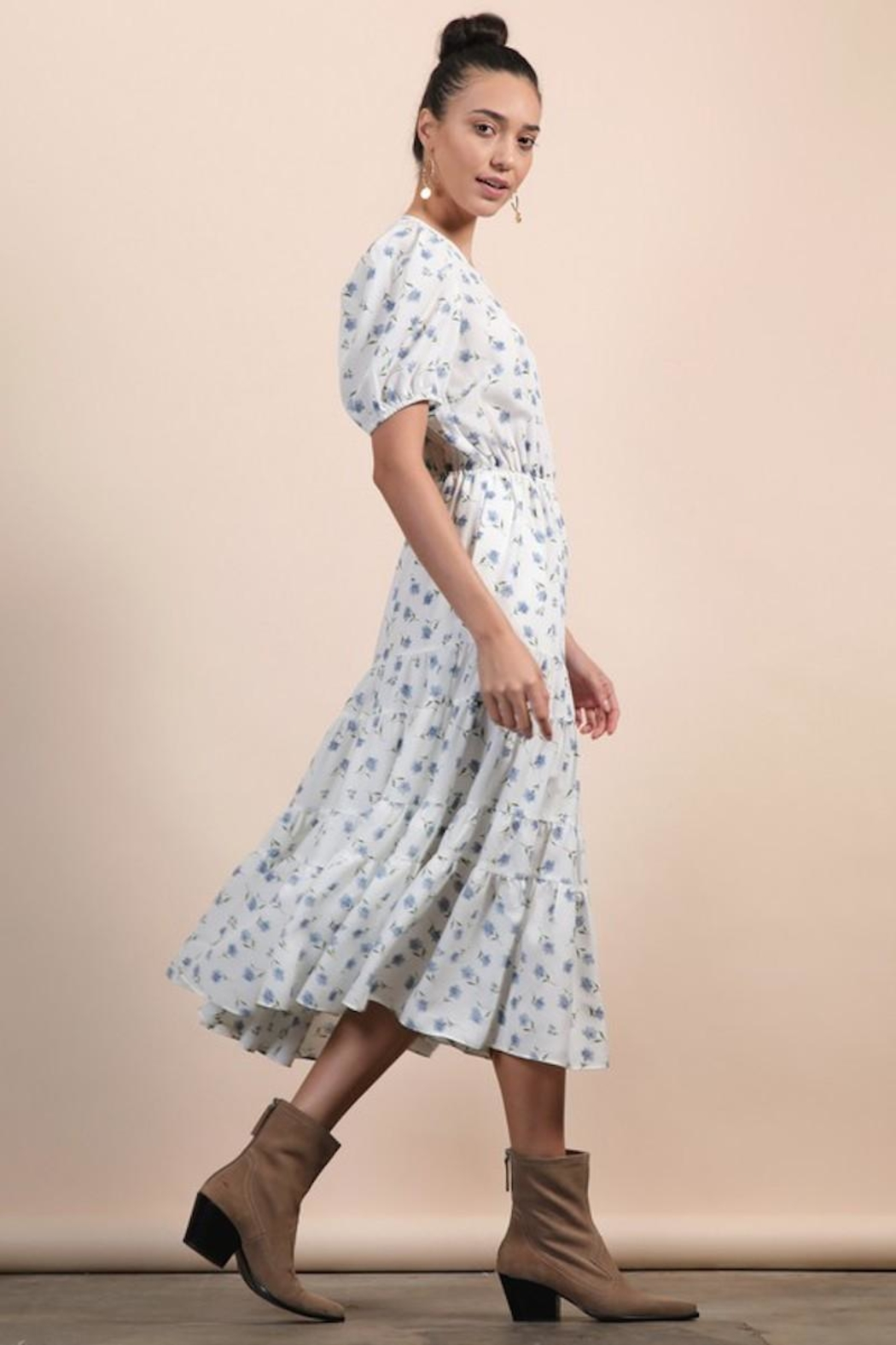 n/a White Dainty Floral Layered Pocket Midi - Side Cropped Image