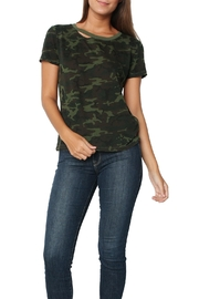 n:PHILANTHROPY Harlow Tee Camo Moss - Front cropped