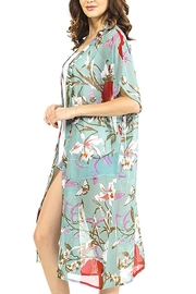 Nadya's Closet Blooming Flowers Kimono - Side cropped