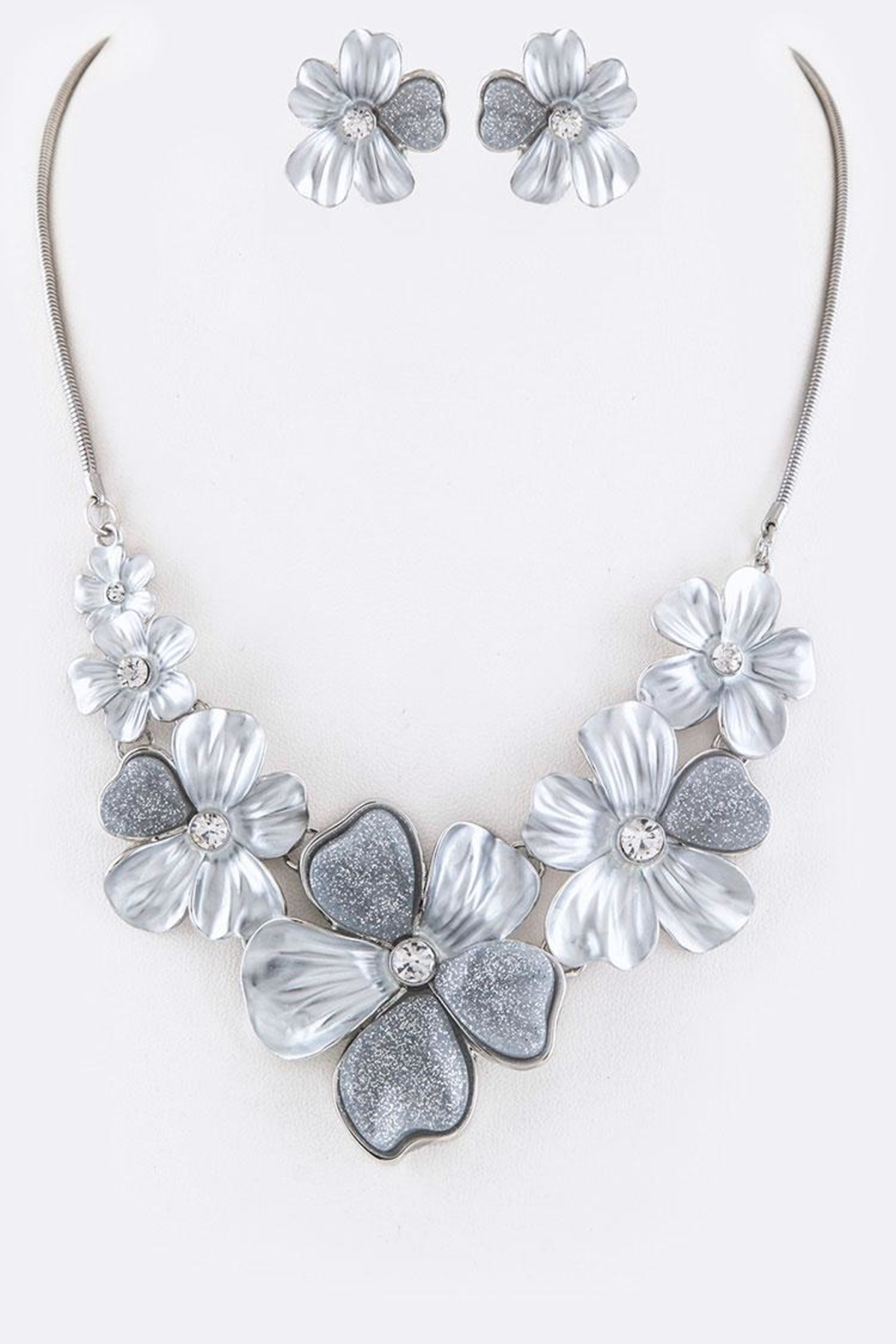 Nadya's Closet Crystal Flower Necklace - Front Cropped Image