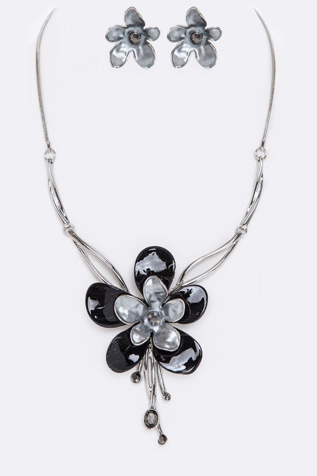 Nadya's Closet Enamel Flower Necklace Set - Front Cropped Image