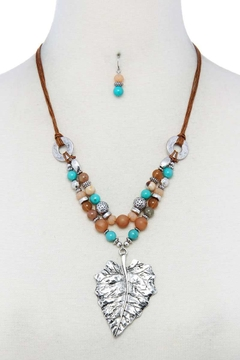 Nadya's Closet Leaf Beaded Necklace Set - Alternate List Image