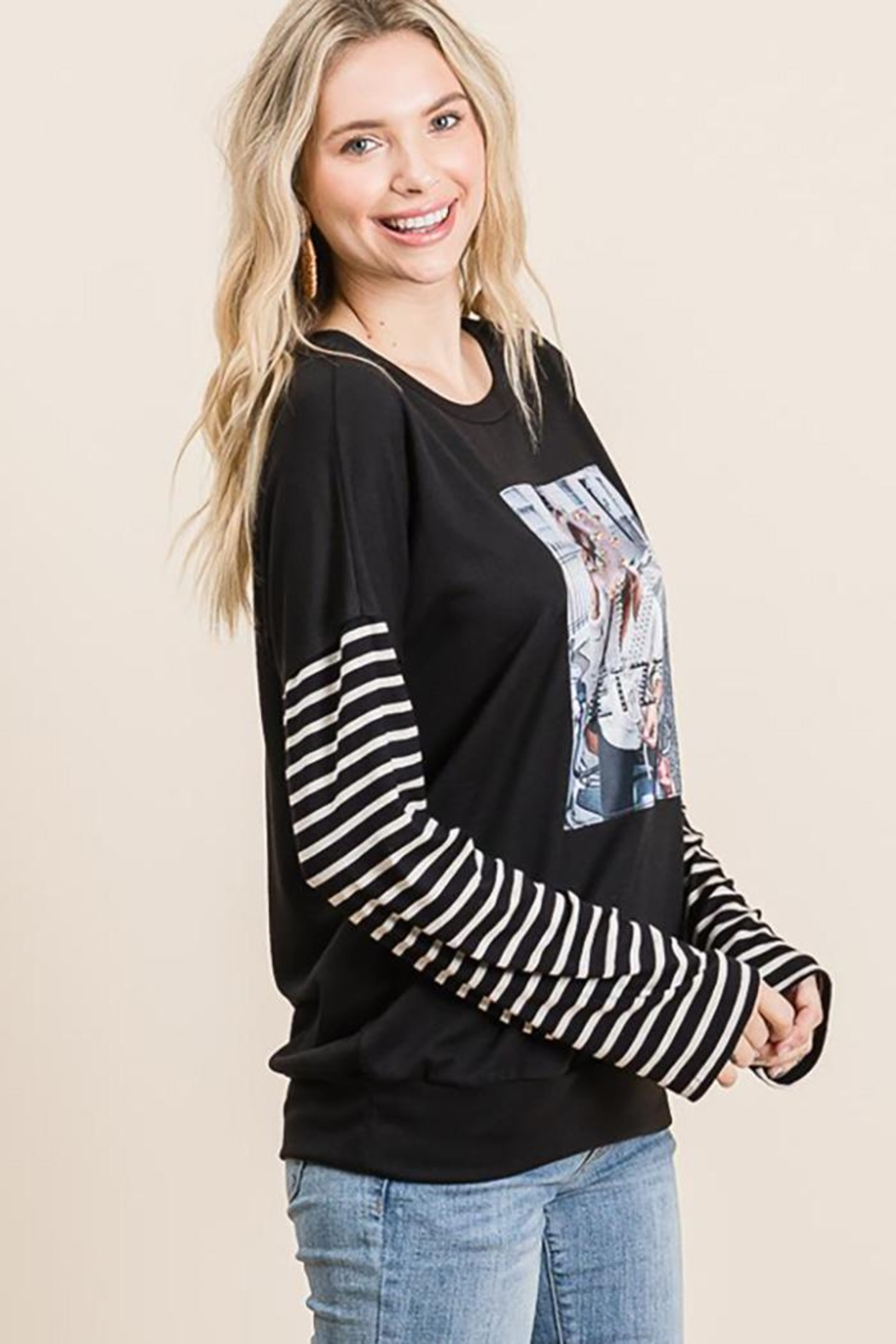 Nadya's Closet Long Sleeve Graphic Pullover Loose Sweat Shirt - Front Full Image