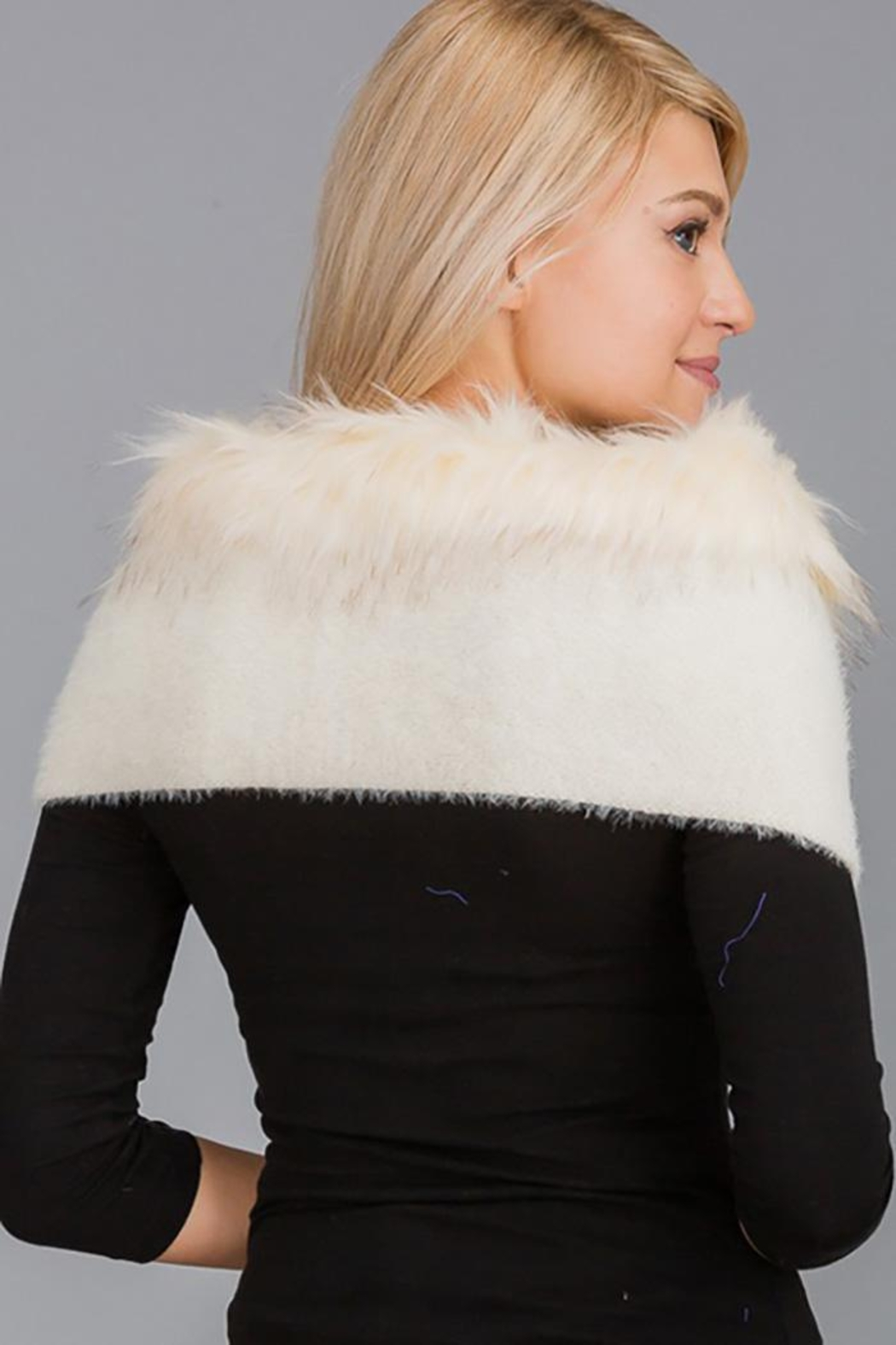 Nadya's Closet Luxury Faux Fur Trimmed V-Neck Knit Winter Scarves - Front Full Image