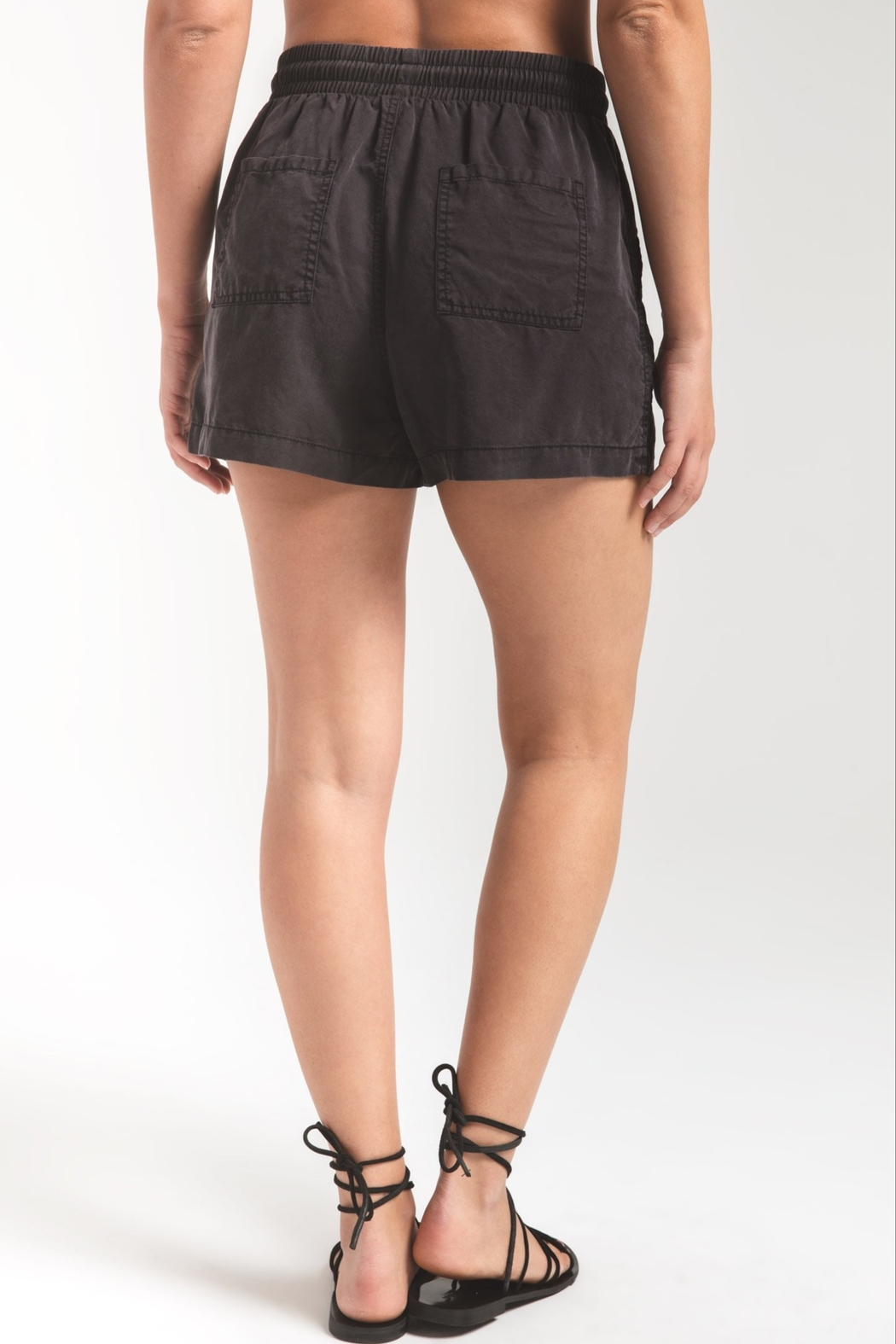 Zsupply Nandini Short - Side Cropped Image
