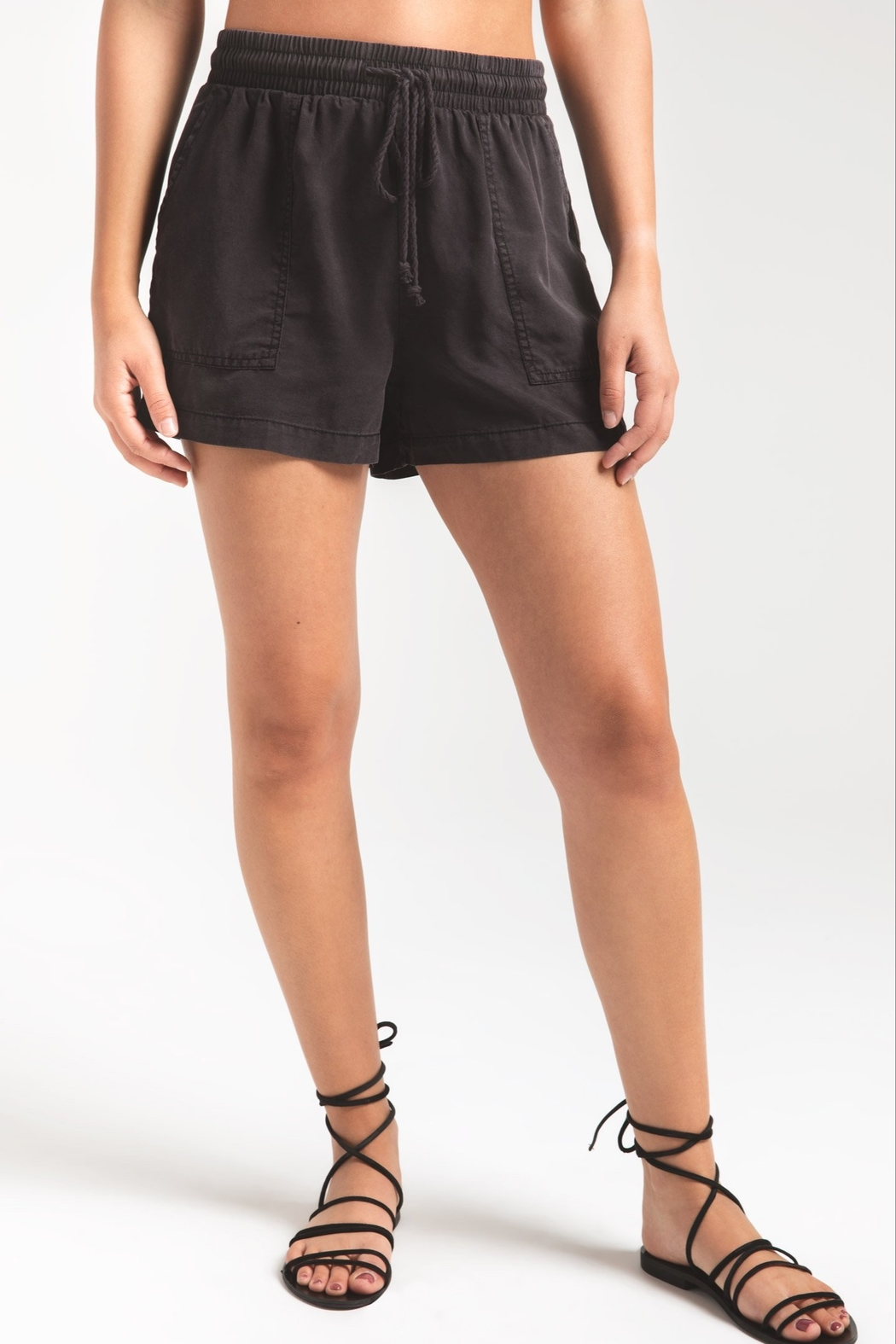 Zsupply Nandini Short - Front Cropped Image