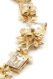 Narratives The Agency British Floral Necklace - Side cropped
