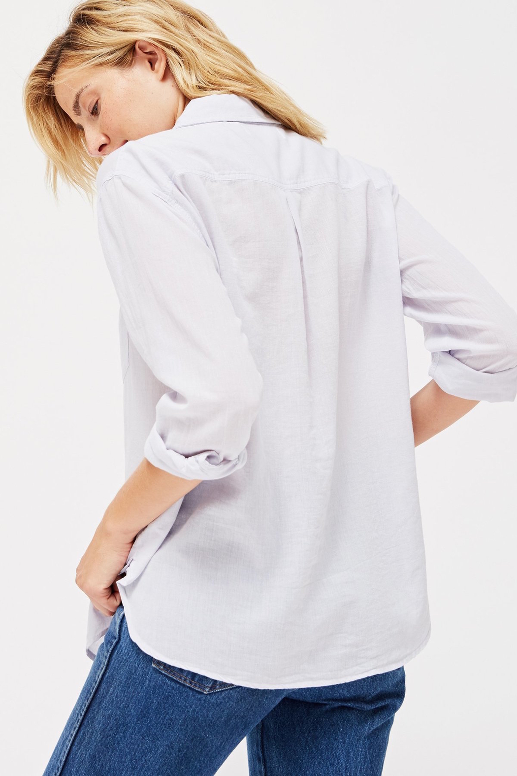LACAUSA Nash super fine button down - ice - Side Cropped Image
