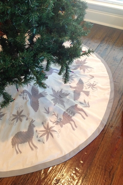 Nativa Otomi Tree Skirt - Alternate List Image