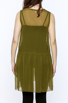 Neesh by D.A.R. Green Sleeveless Tunic Top - Alternate List Image