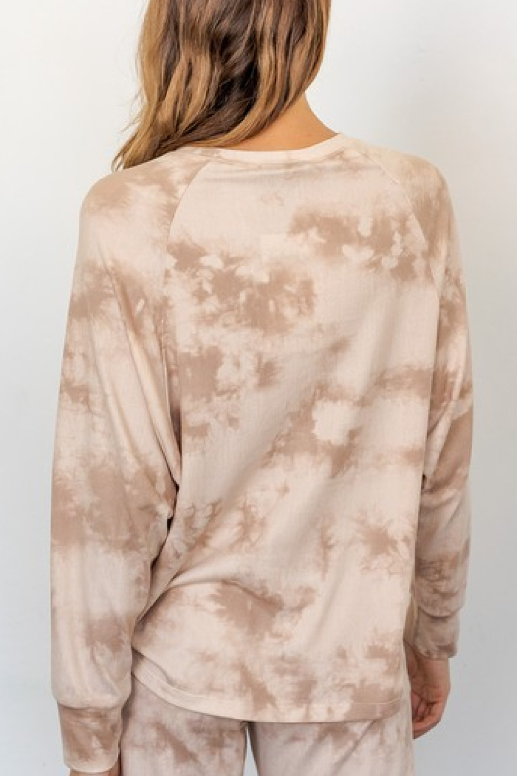 Gilli Neutral Tie Dye Top - Front Full Image