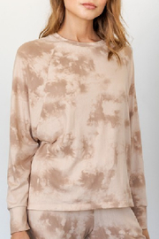 Gilli Neutral Tie Dye Top - Front cropped