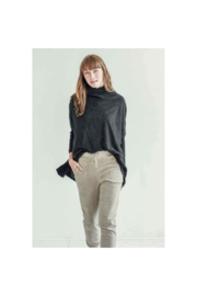 The Birds Nest NEWPORT TRAVEL SWEATER W/ POCKETS - SEA SALT - Product Mini Image