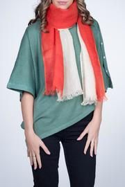 Nine Yaks Linen Scarf Red - Front cropped