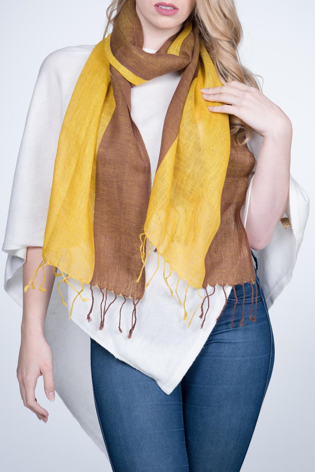 Nine Yaks Linen Scarf Two Tone - Front Cropped Image