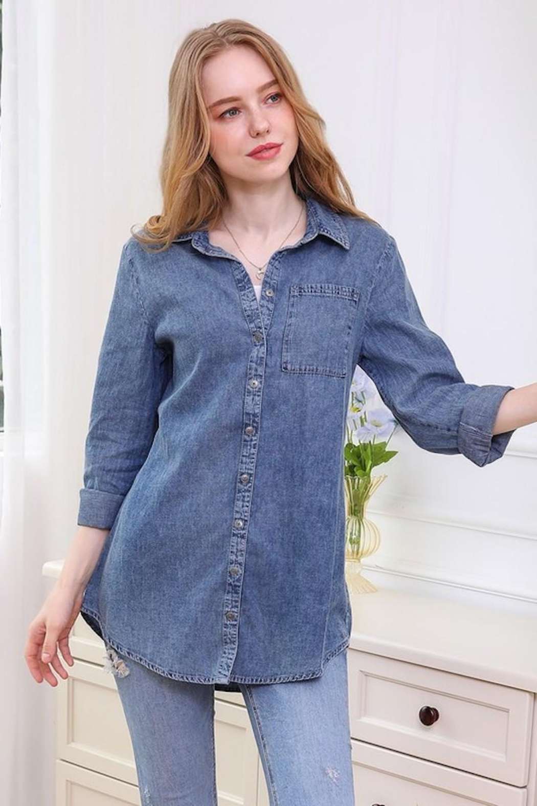 Ninexis Chambray Button Up - Side Cropped Image