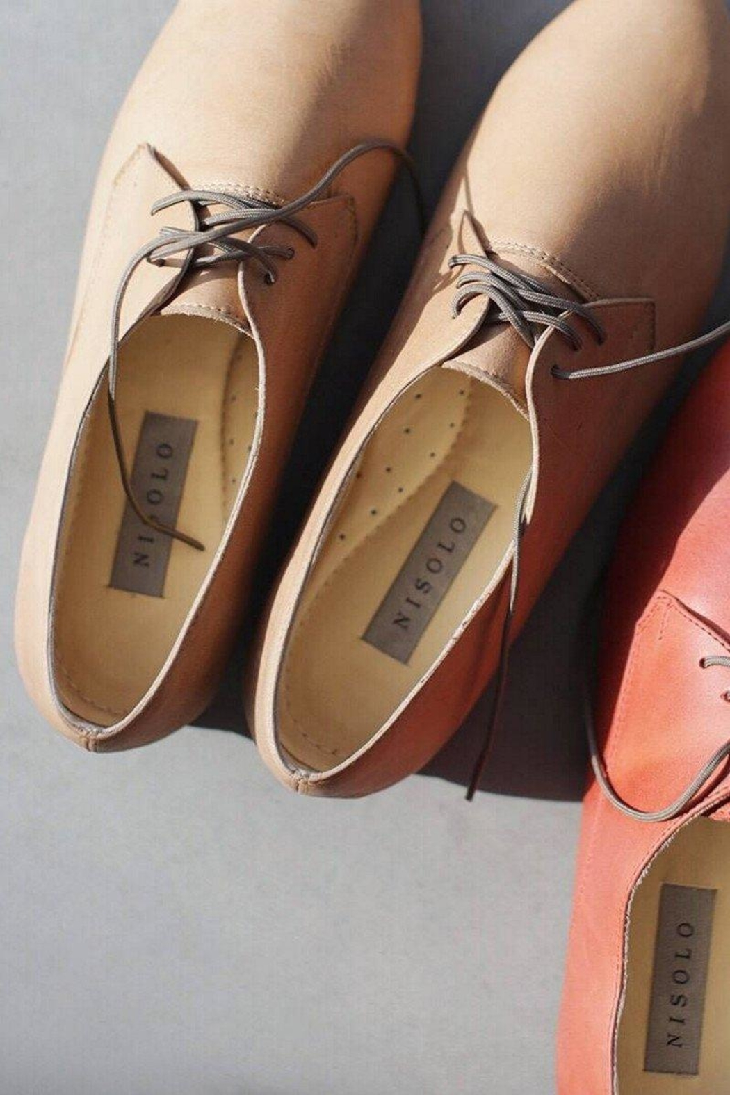 Nisolo Almond Oliver Oxford Shoes - Front Cropped Image