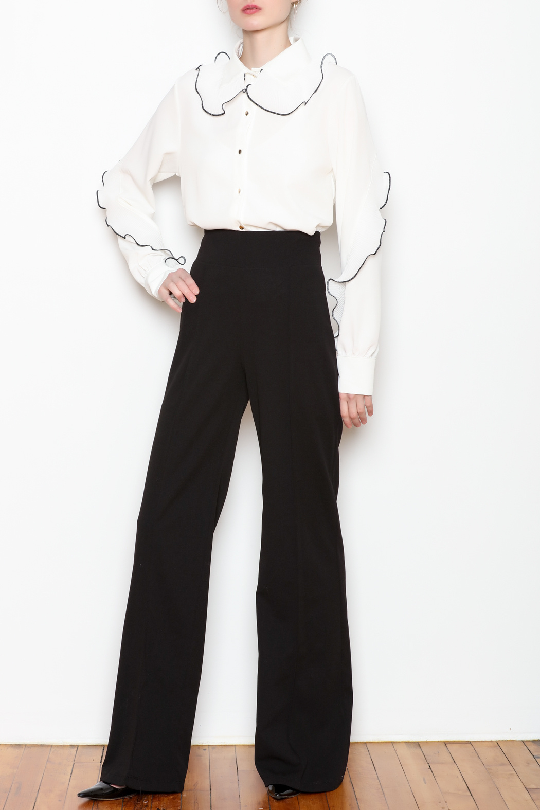 Noble U Ruffle Detail Blouse - Side Cropped Image