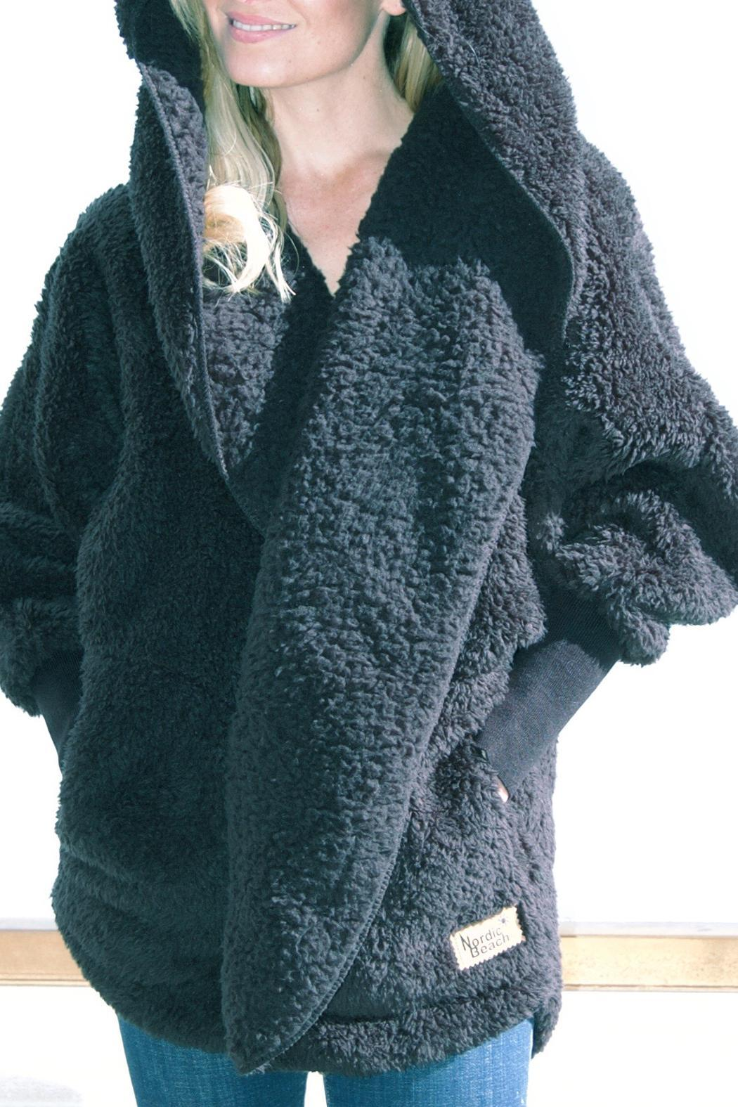 Nordic Beach Fluffy Wrap - Main Image