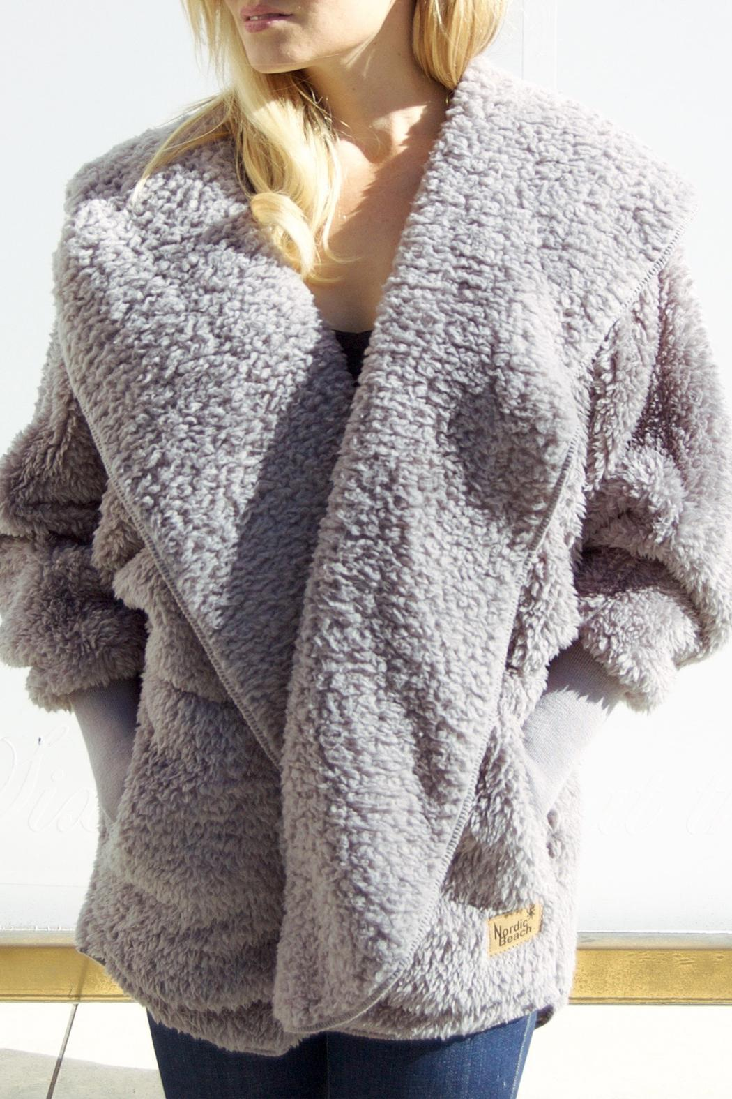 Nordic Beach Fluffy Wrap - Front Cropped Image