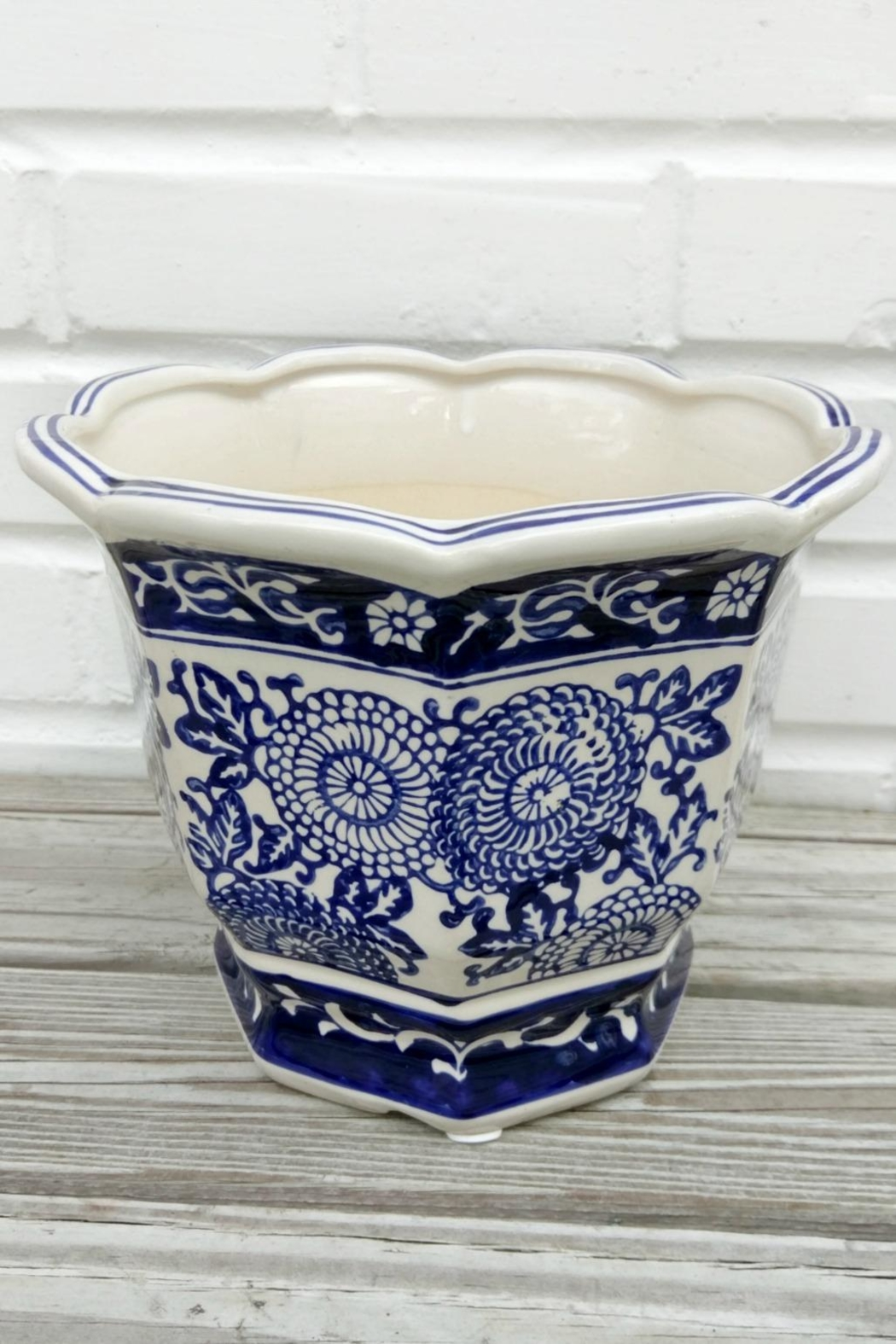 Not Labeled  Blue Floral Pot - Front Full Image