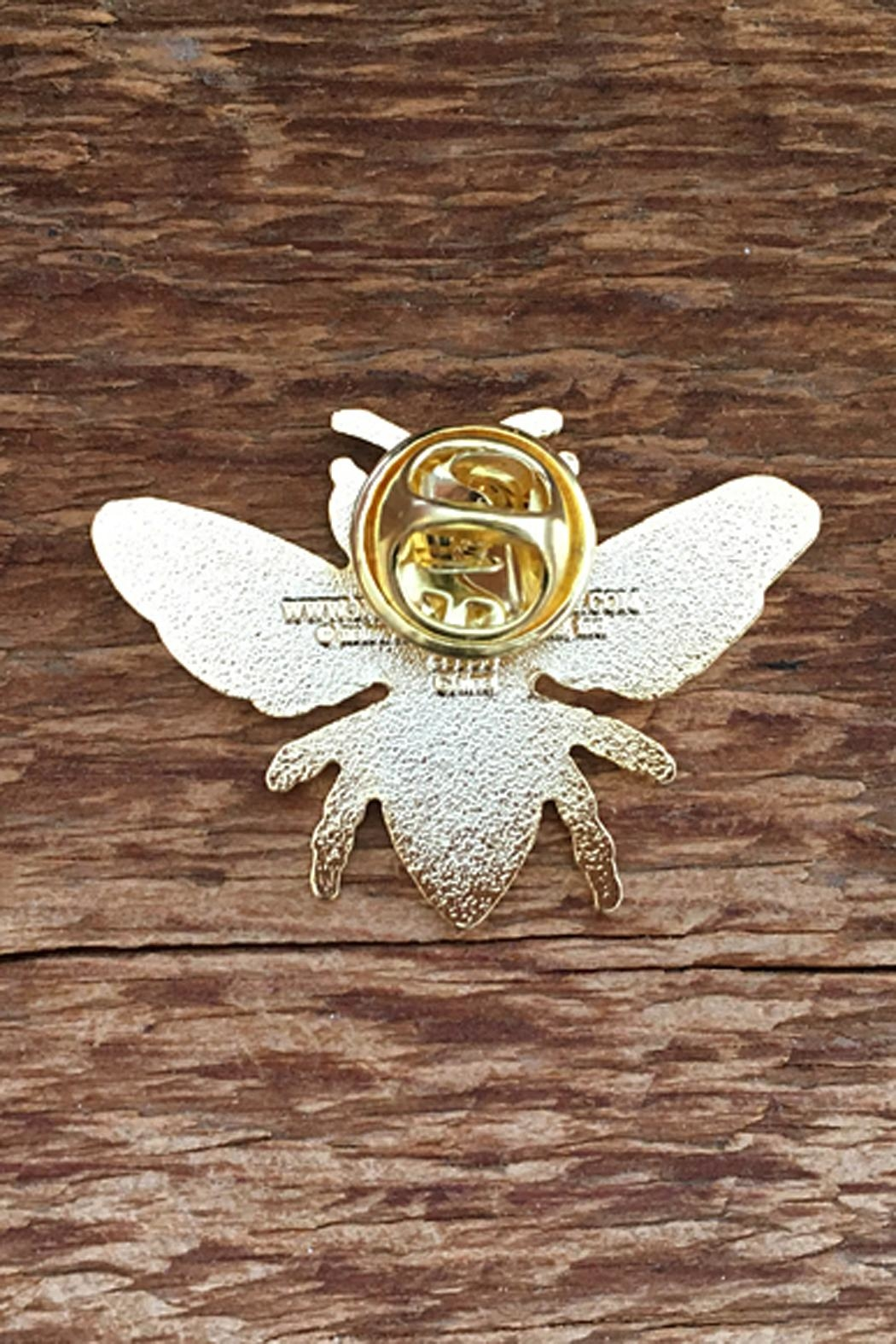 Noteworthy Paper & Press Honey Bee Pin - Front Full Image