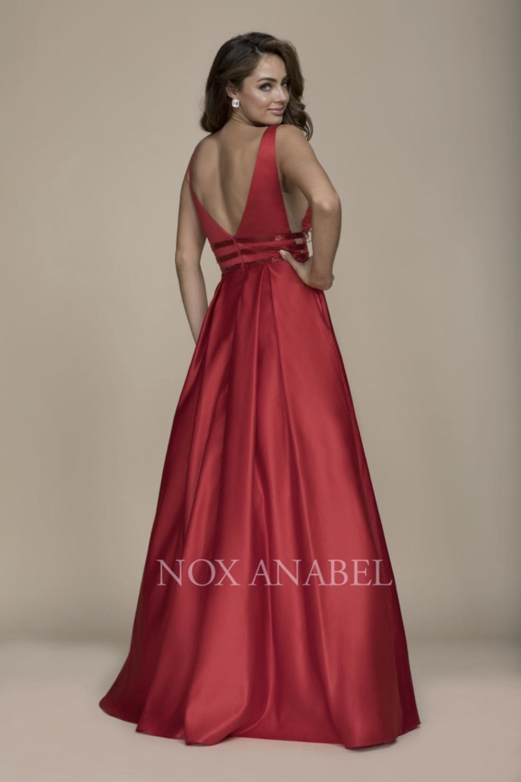 NOX A N A B E L Red Plunging-Back Formal-Dress - Front Full Image