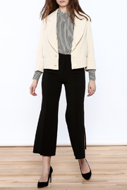 NU New York Cream Cropped Blazer - Side cropped