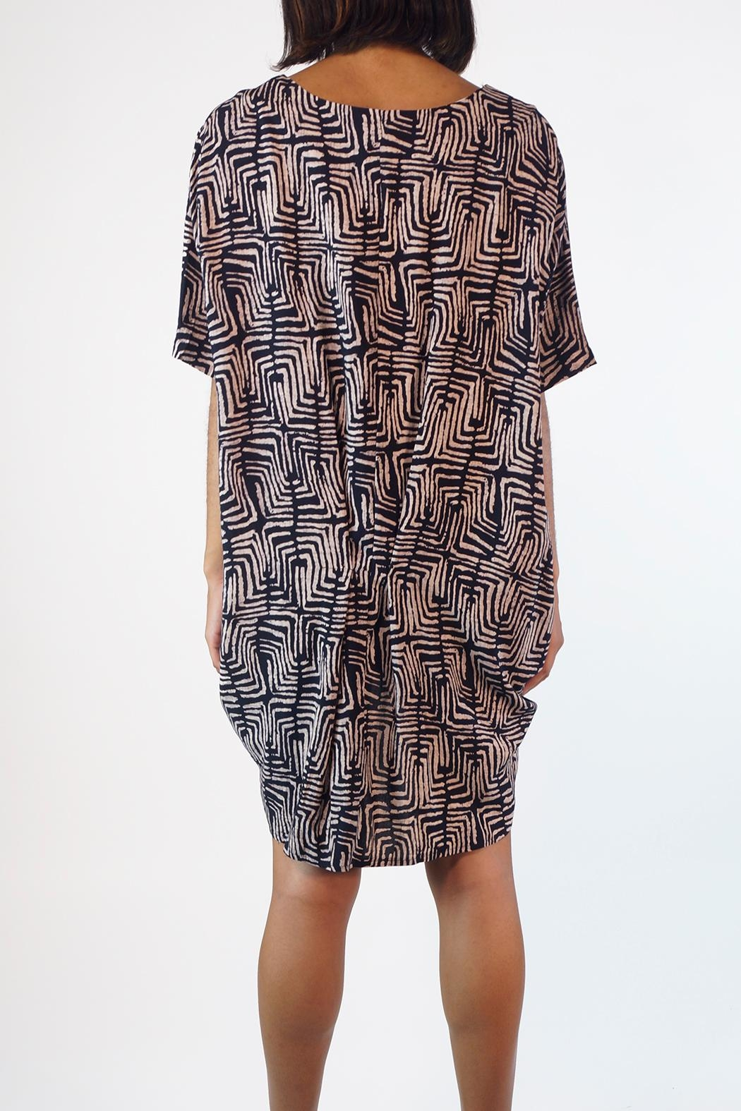 NU New York Dipola Geo Tunic - Side Cropped Image