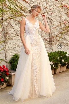 NOX A N A B E L Nude & White Beaded Bridal Gown With Organza Train - Product List Image