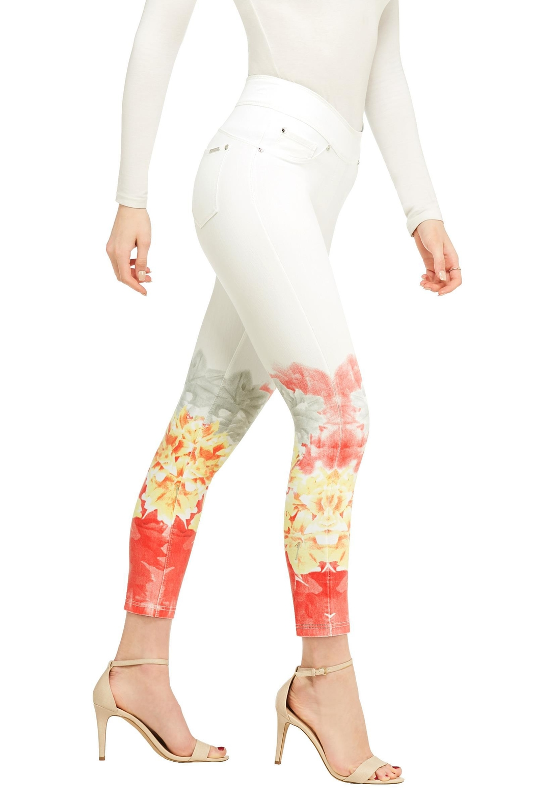 Nygard Ombréfloral Crop Jeans - Side Cropped Image