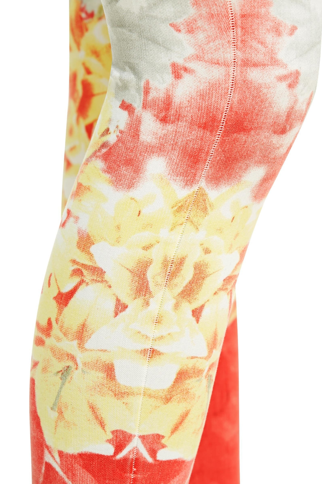 Nygard Ombréfloral Crop Jeans - Back Cropped Image