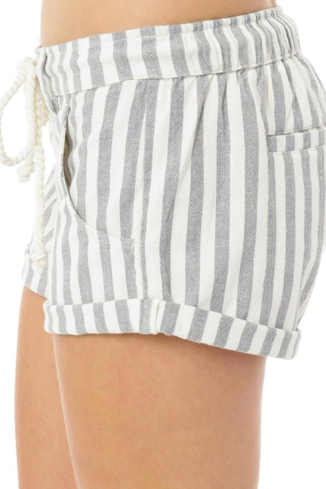 O'Neill Malina Shorts - Side Cropped Image