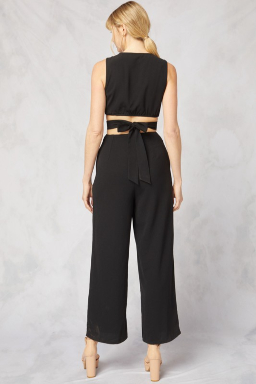 Style U O Ring Jumpsuit With V Neck - Side Cropped Image