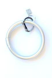 O-venture O Leather Keyring - Front cropped