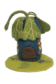 Papoose Toys Oak Leaf House & Mat - Front cropped