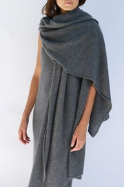 Oats Adele Cashmere Travel/wrap - Front cropped