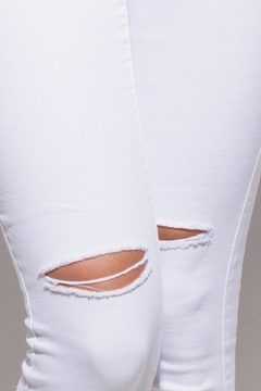 OC Avenue White Denim Jeans - Alternate List Image