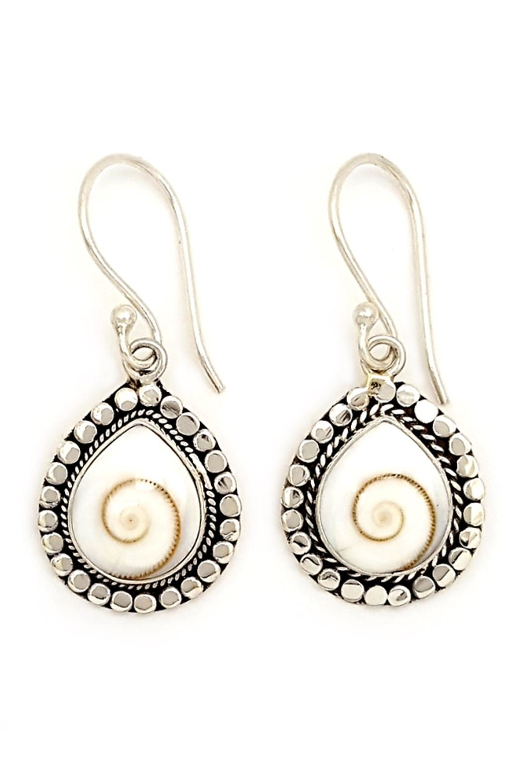 Oceania Maui Cat's Eye Earrings - Main Image