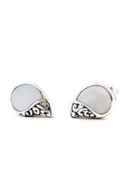 Oceania Maui Shell Stud Earrings - Front cropped