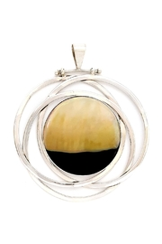 Oceania Maui Sunset Shell Pendant - Front cropped