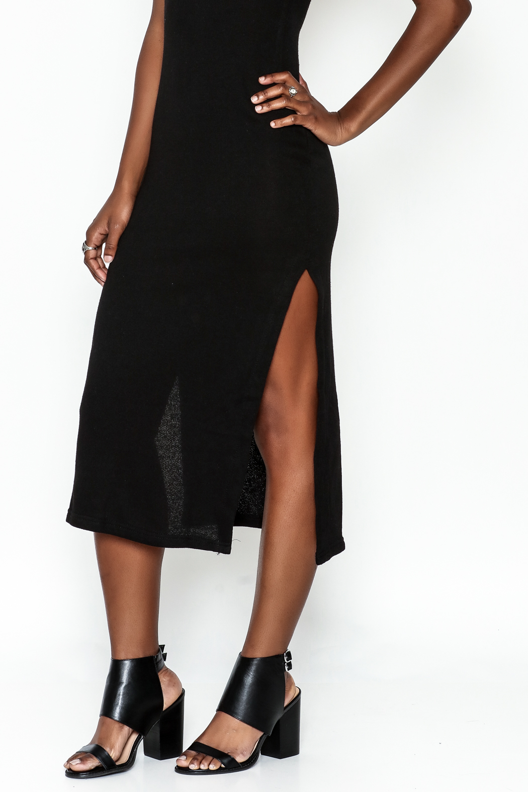 odAOMO Navy Midi Skirt - Front Cropped Image