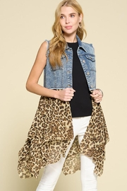 Oddi Asymmetrical Lapel Vest Leopard And Denim Print Details - Product Mini Image